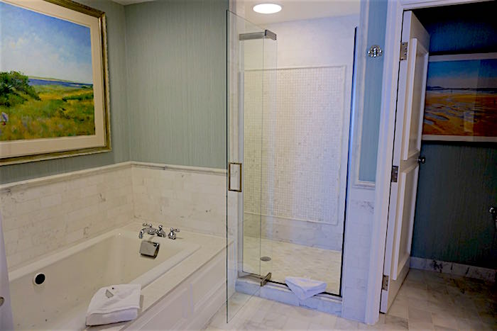 Beach Club Nantucket Suite bath image