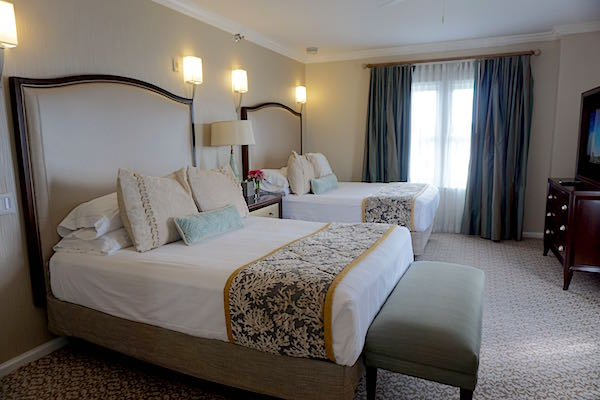Disney's Beach Club Resort Presidential Newport Suite guest room image
