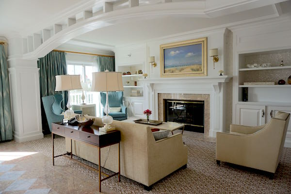 Disney's Beach Club Resort Presidential Newport Suite living room image