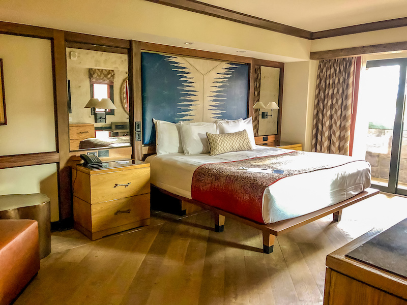 Disney's Copper Ridge Grand Villa master bedroom image