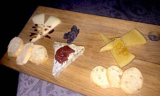 Capa Four Seasons Orlando cheese board image
