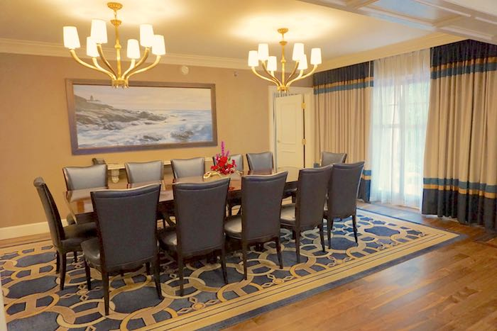Disney's Yacht Club Captain's Deck Suite dining room image