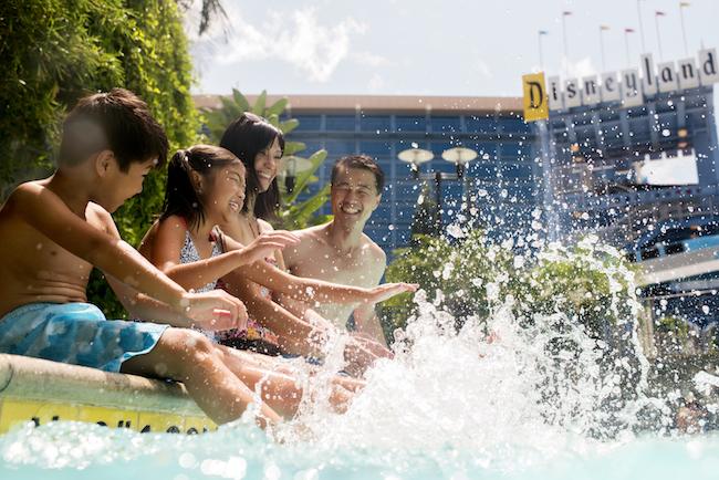 Disneyland Hotel pool image