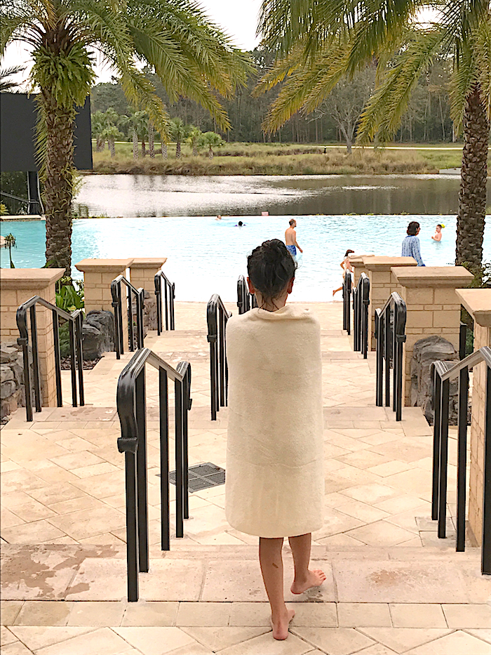 Four Seasons Orlando pool image