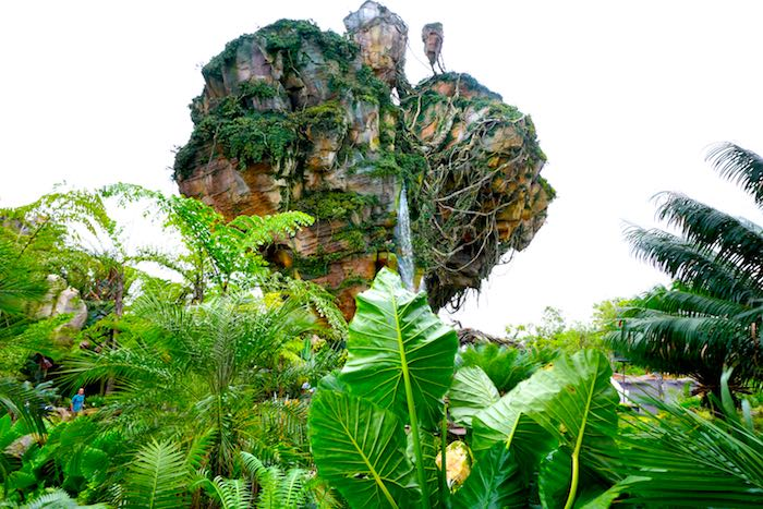Pandora-World of Avatar haning mountains image