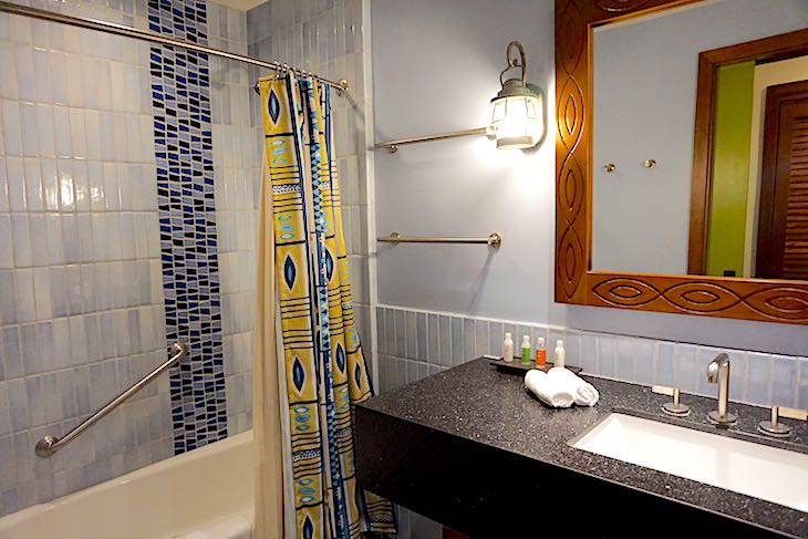 Disney's Polynesian Villas bungalows guest bath image