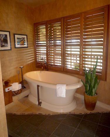Animal Kingdom Lodge Royal Assante bath image