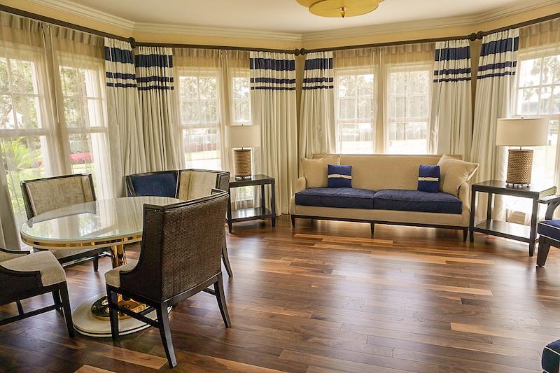 Disney's Yacht Club Turret Two-Bedroom Suite turret livingroom image