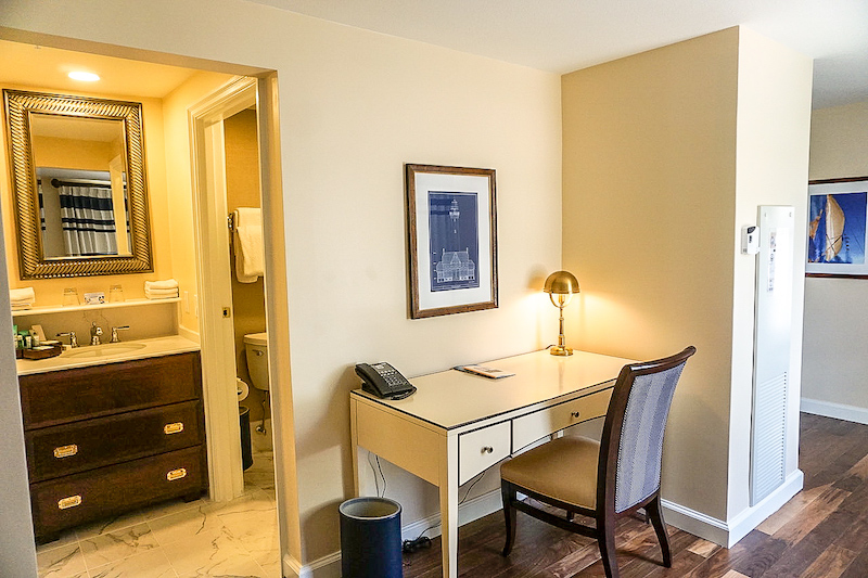 Disney's Yacht Club Turret Two-Bedroom Suite desk image