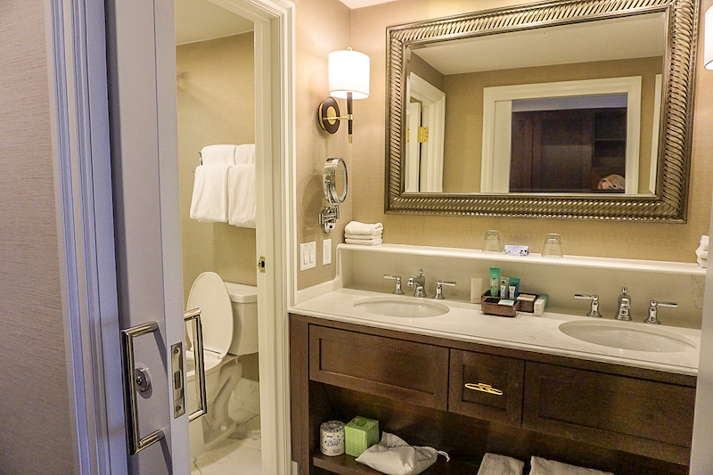 Disney's Yacht Club Turret Two-Bedroom Suite master bath image